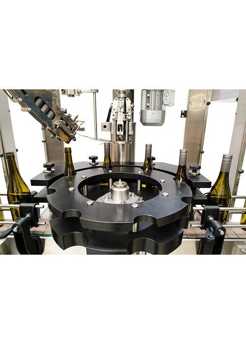 Máquina Taponadora Lineal Sistema por Robo 3